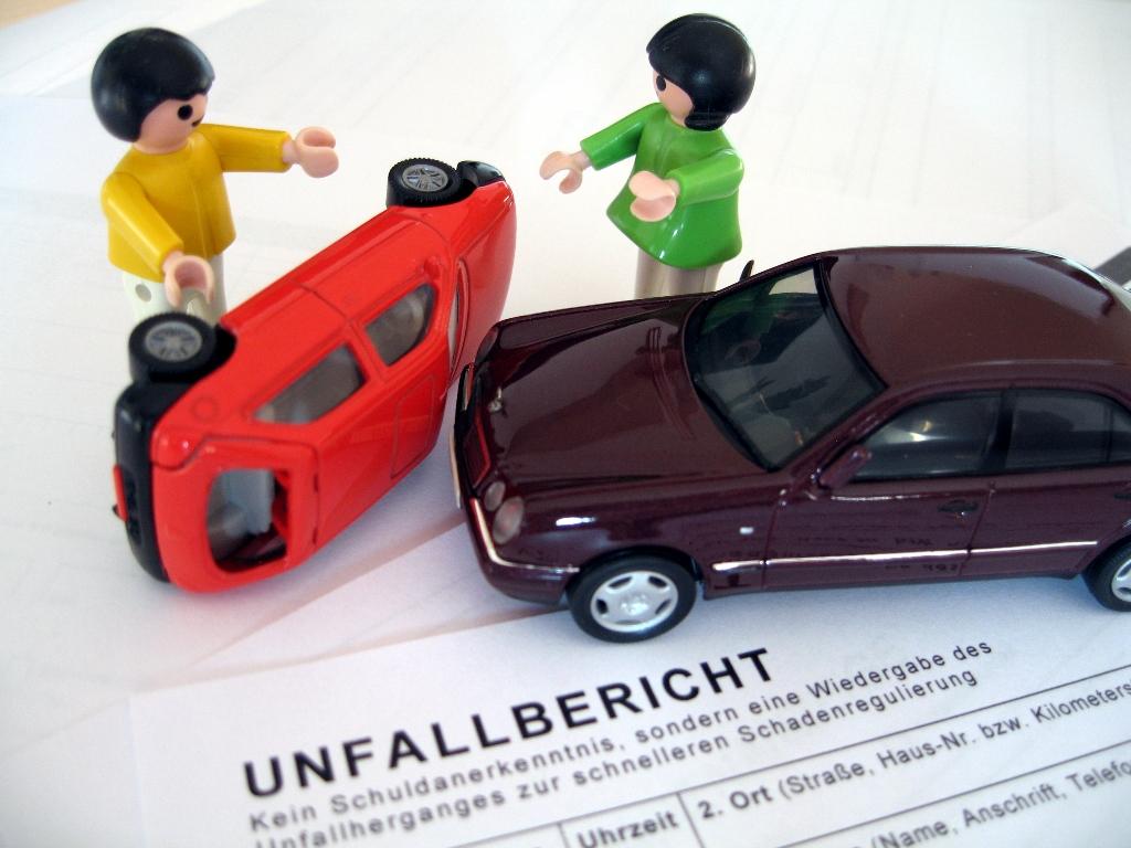 Autounfall Unfallbericht