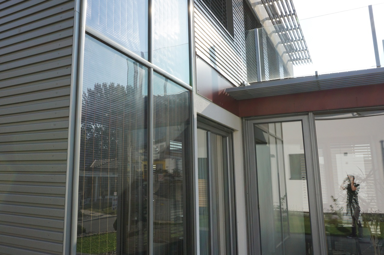 Photovoltaik / erneuerbare Energie Hausfassade