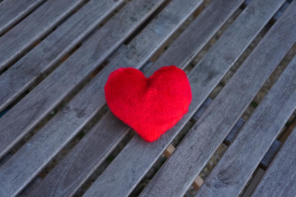 Rotes Herz  lizenzfreie Fotos  Bilder kostenlos herunterladen