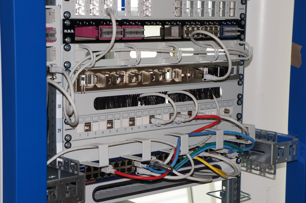 Netzwerkschrank 1
