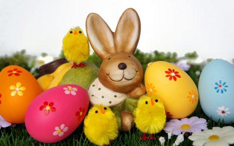 Frohe Ostern Osterhase mit Osterküken und Eiern (Ostern)