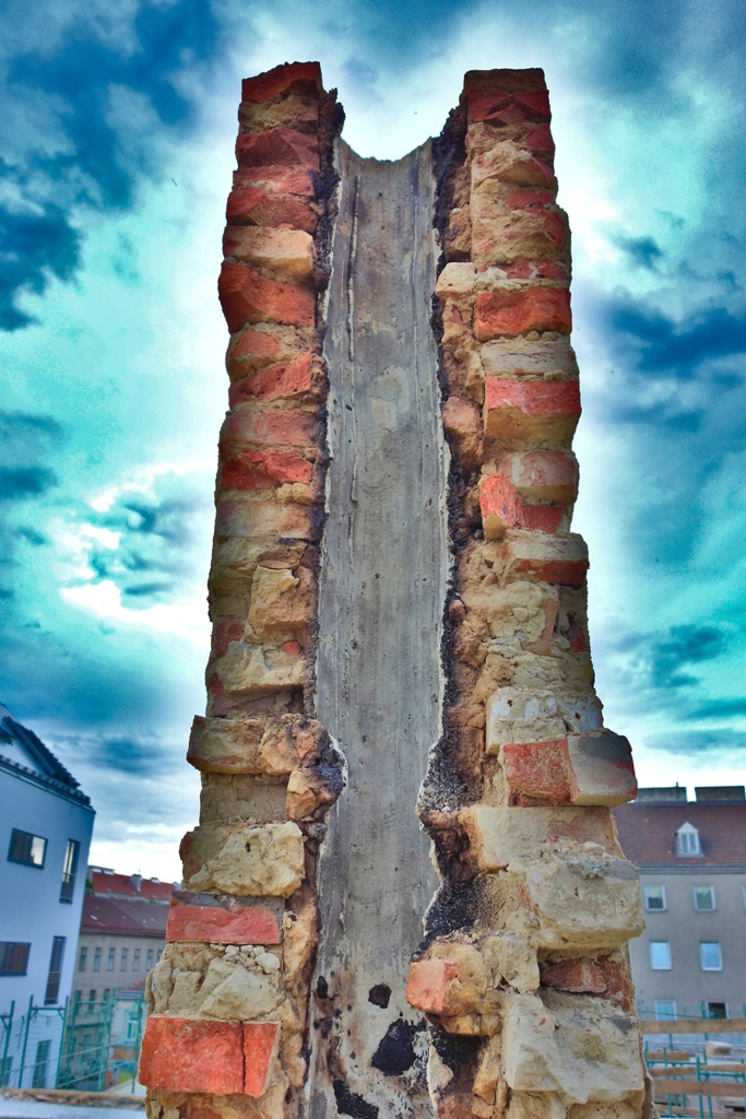 alte-ziegelmauer-querschnitt