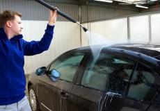 Autowaschen mit Hochdruckreiniger