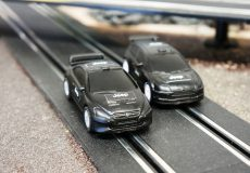 Kinderspielzeug Autorennbahn