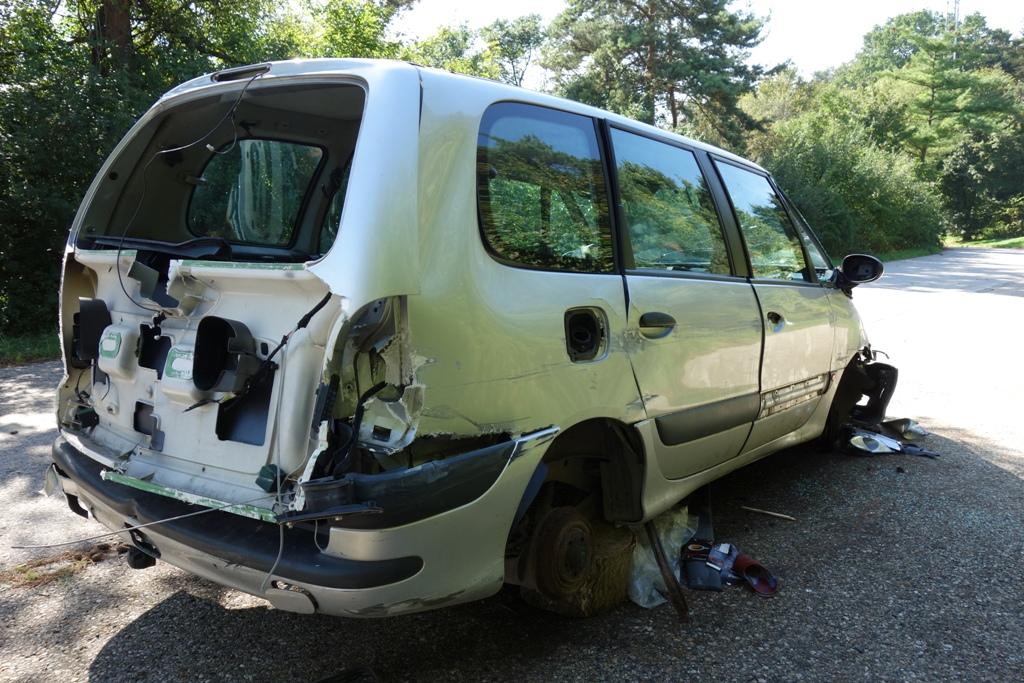 autounfall-ausgeschlachtet