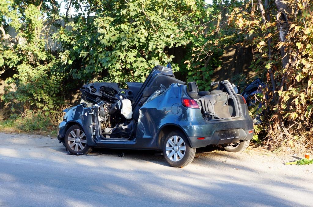 Totalschaden Autounfall - lizenzfreie Fotos / Bilder kostenlos ...