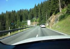 Bergstrasse im Auto