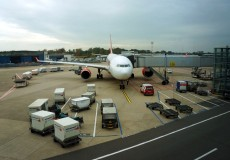Flugzeug am Rollfeld