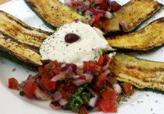 Gegrillte Zucchini und Gyros
