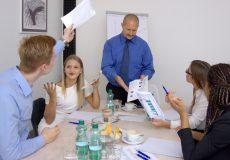 Geschäftsleute – Streit während Meeting