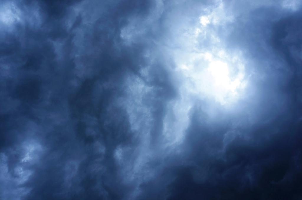 Himmel Gewitter & Wolken - lizenzfreie Fotos / Bilder ...