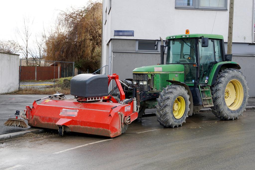 Traktor Kehrmaschine