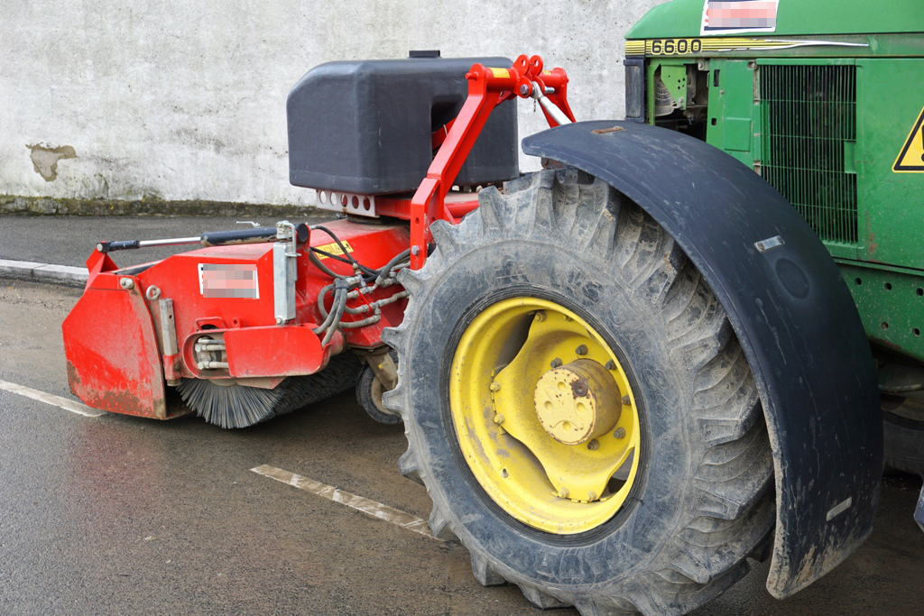Traktoranbau Kehrmaschine