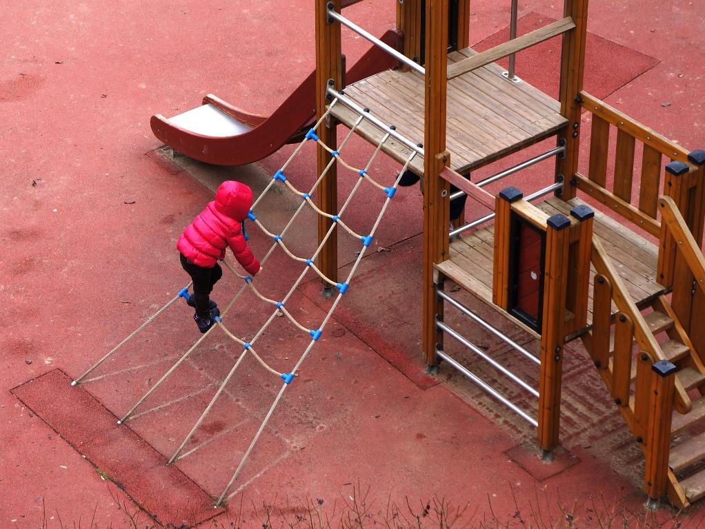 Kind am Spielplatz