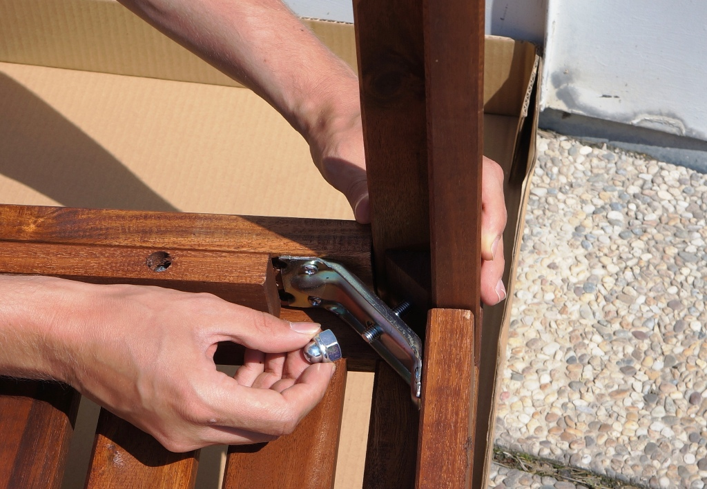 Möbel zusammenbauen 1