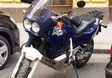 Motorrad geparkt