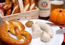 Weissbier, Weisswurst, Brezel, Oktoberfest Wiesn
