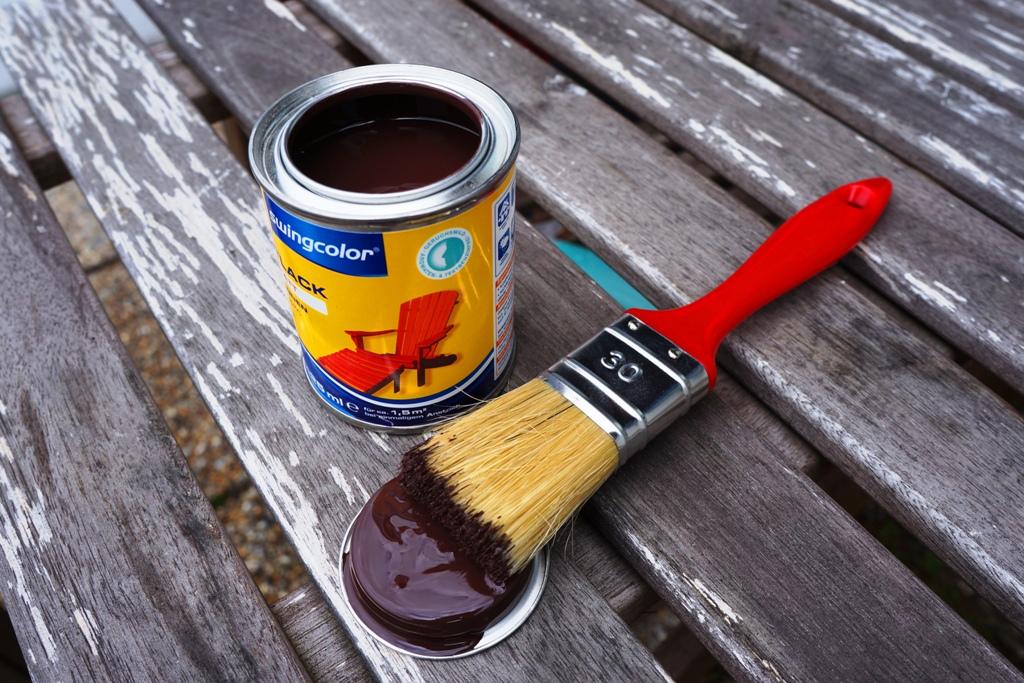 Pinsel und Farblack