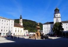Residenzbrunneb Residenzplatz Salzburg