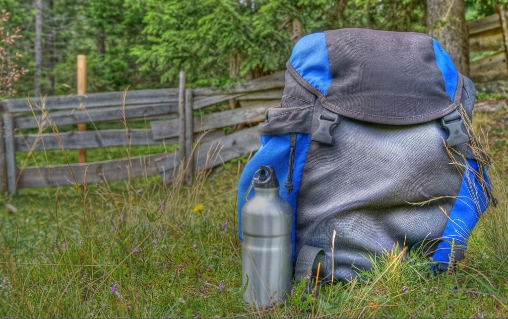 Rucksack Wandern Trinkflasche