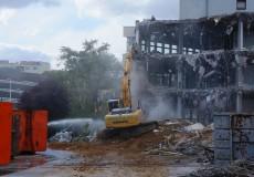 Schaufelbagger Gebäude Abriss