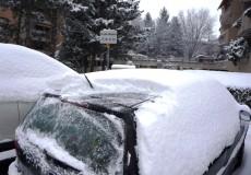 Schneeschaufeln Auto