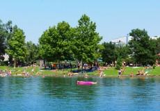 Schwimmen am See 1
