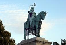 Budapest – Statue König Stephan