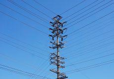 Strommast aus Holz Verteiler