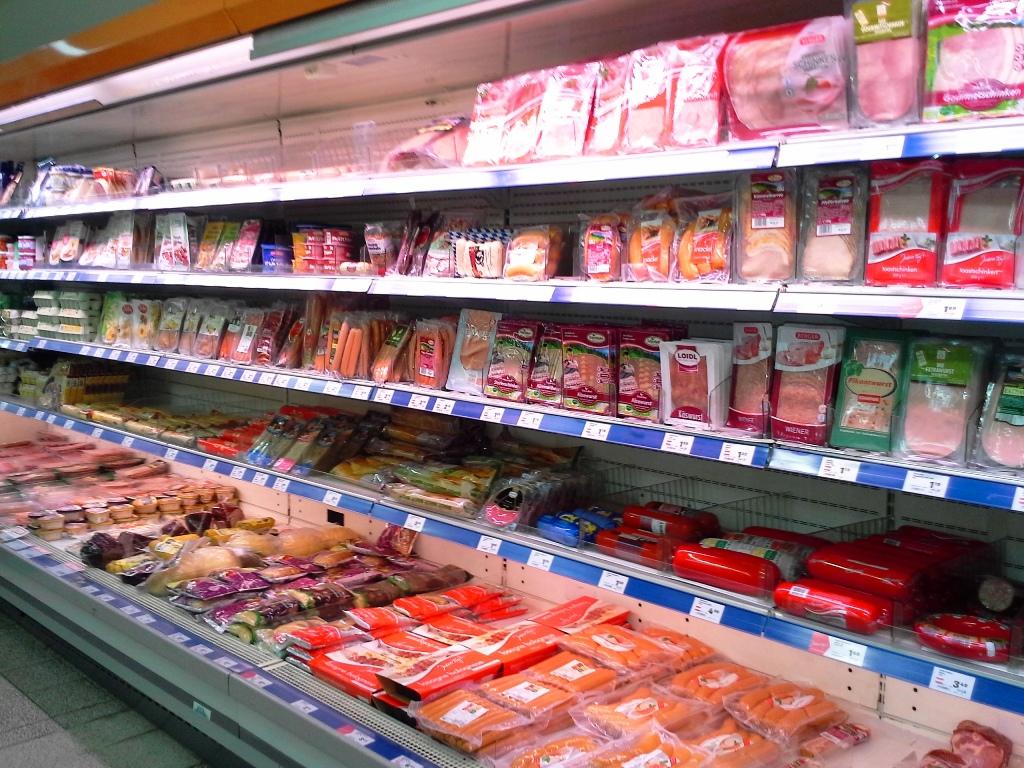 supermarkt-fleisch-wurst-tiefkuehl