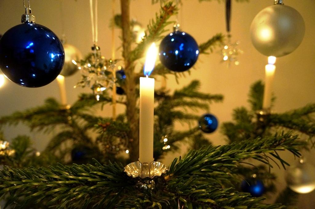 weihnachtsbaum christbaum lizenzfreie fotos bilder. Black Bedroom Furniture Sets. Home Design Ideas