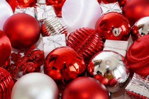 Weihnachtskugeln rot lizenzfreie fotos bilder for Bilder weihnachtskugeln