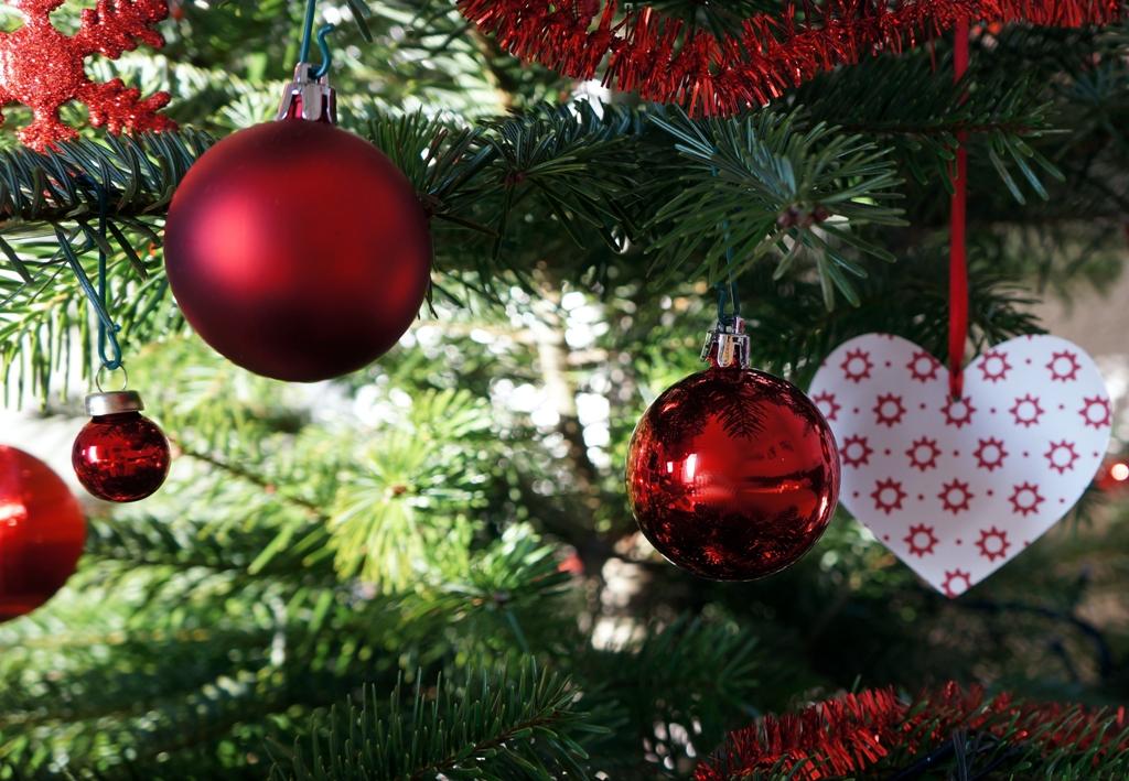Weihnachtskugeln rot 1 lizenzfreie fotos bilder kostenlos herunterladen ohne anmeldung - Bilder weihnachtskugeln ...